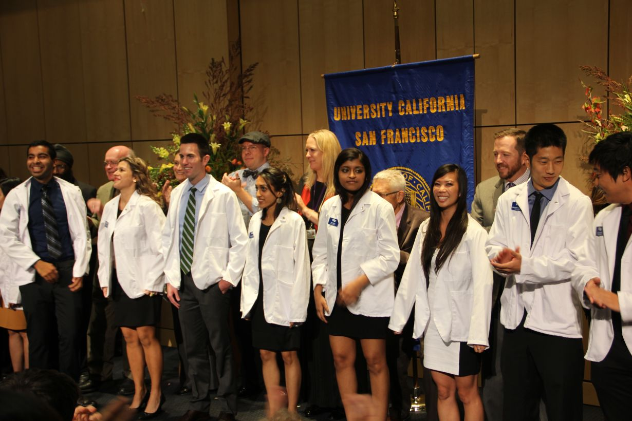 student pharmacists at white coat ceremony