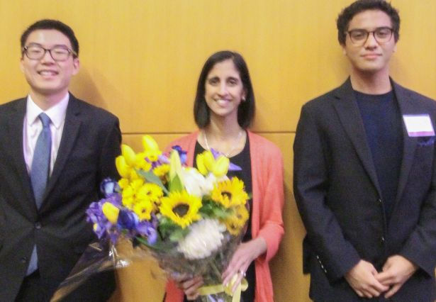 BioEHSC-2017 Co-Chairs Present Bouquet to Prof. Desai