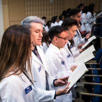 PharmD students recite the Oath of a Pharmacist